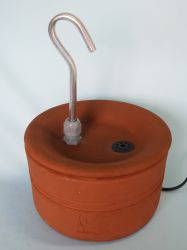 Bebedouro Fonte p/gatos 1,8 litros cerâmica c/patinhas Luxo Básico + BRINDE, CenterArts - Base grande