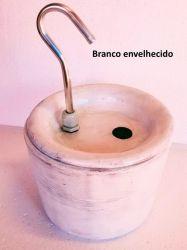 Bebedouro Esmaltado Fonte p/Gatos Requinte Branco - 2,0 litros + Brindes